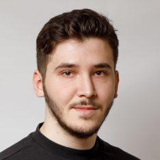 Виктор Саркисов